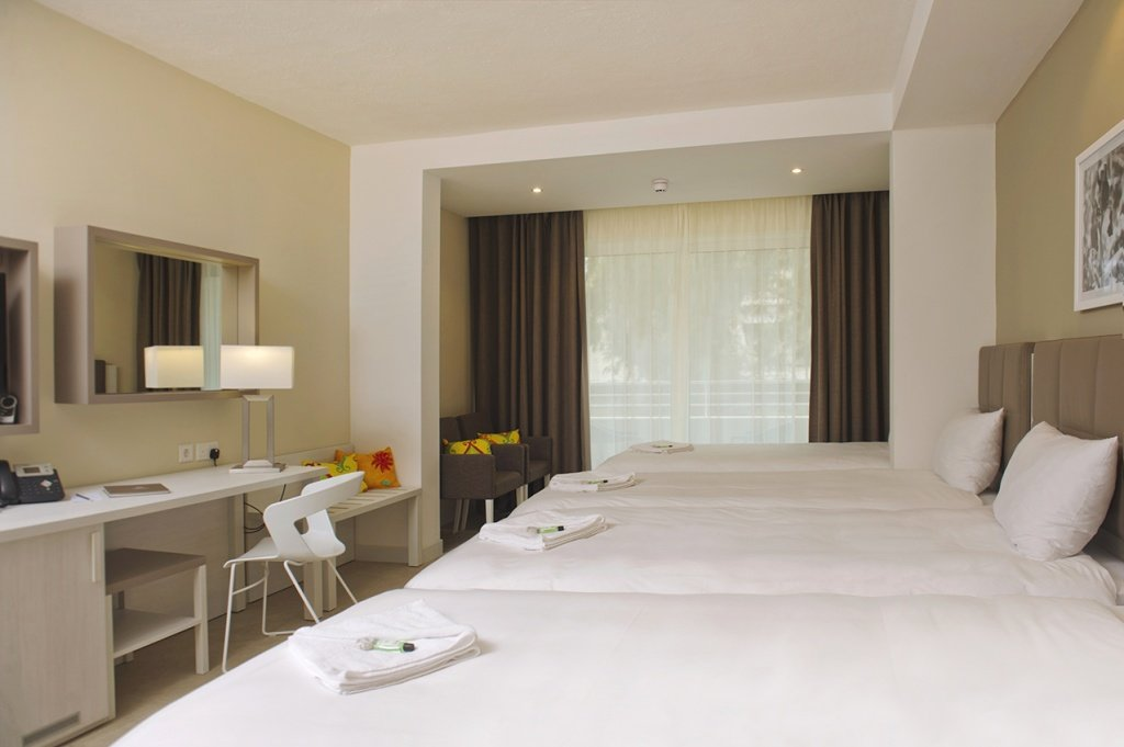 salini-resort-teen-and-junior-room1.jpg